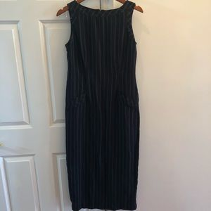 Black dress with faux pockets Black and White